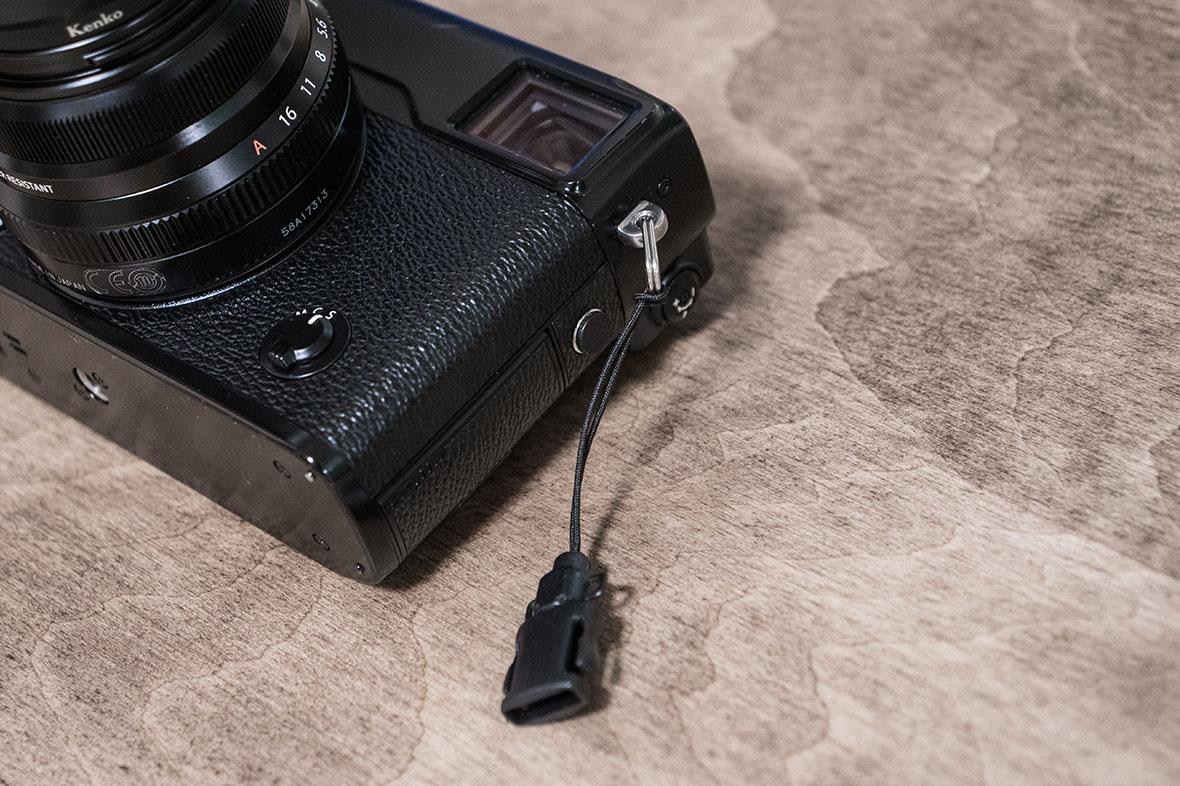 X-Pro2とカメラストラップ 画像02